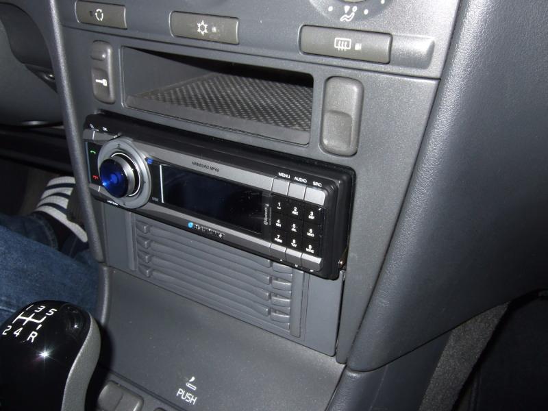 autoradio mit bluetooth mp3 usb anschluss car audio. Black Bedroom Furniture Sets. Home Design Ideas